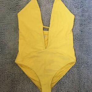 Frankie's bikini yellow